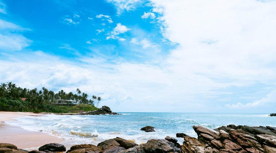 tangalle beach with 11 mare restaurant