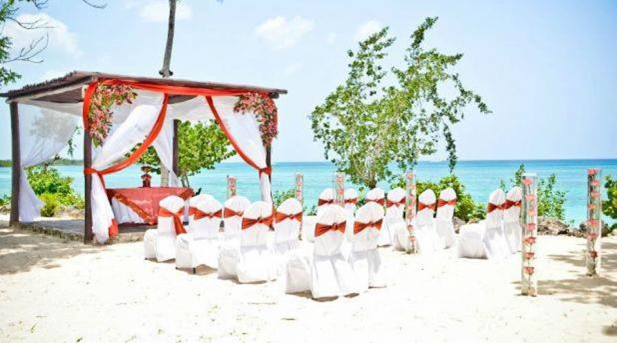 wedding ceremony by the sea