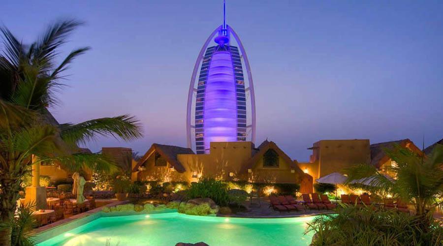 Beit al bahar villas at jumeirah beach hotel luxury for Luxury holidays in dubai